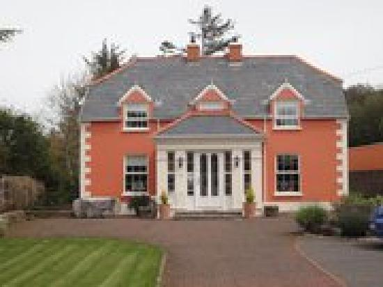 Ardeelan Lodge Bed and Breakfast