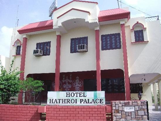 Hotel Hathroi Palace