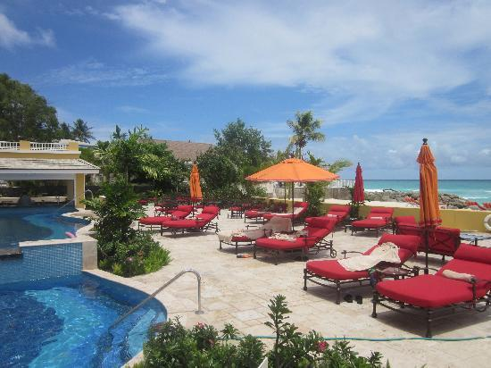 Ocean Two Resort & Residences: The Poolside @ O2 Resort