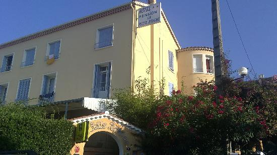 Photo of Hotel La Petite Boheme Le Lavandou