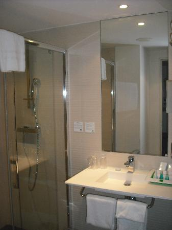 Holiday Inn Mulhouse: Bathroom