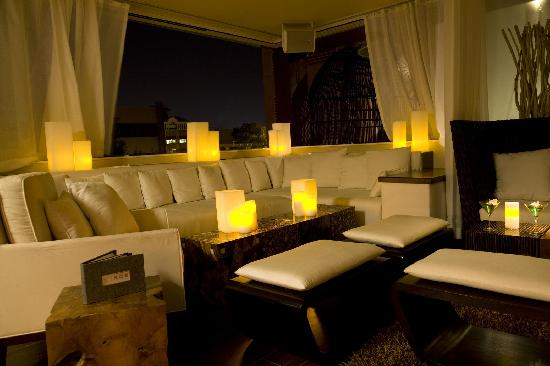 W Scottsdale: Shade Lounge