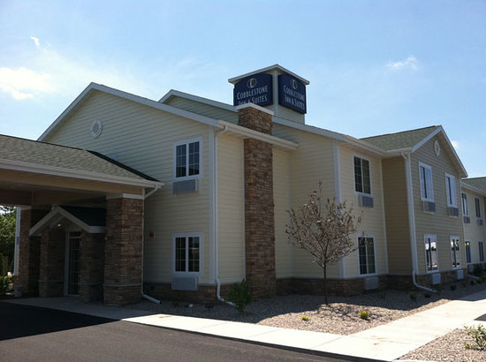"Cobblestone Inn & Suites, Oshkosh: Cobblestone Inn & Suites - Oshkosh ""Wisconsin's Event City"""