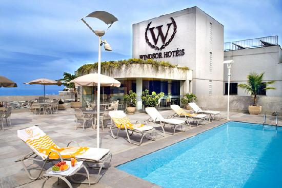 Windsor Plaza Copacabana Hotel: Terrace and Pool
