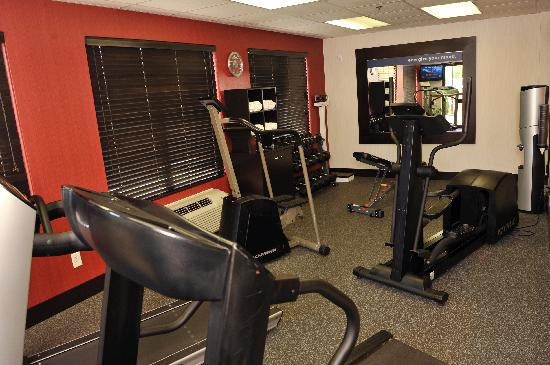 Hampton Inn Elizabethtown: Keep fit in our brand new, state-of-the-art fitness center!