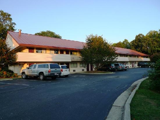 Red Roof Inn Greensboro Coliseum: Exterior A