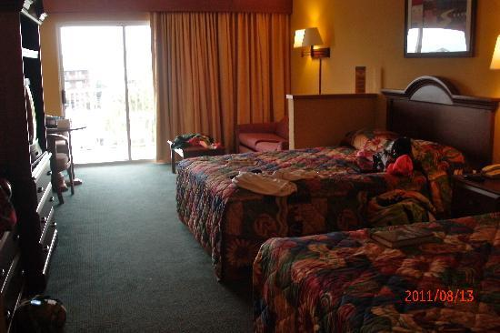 Bonita Beach Hotel: spacious double room