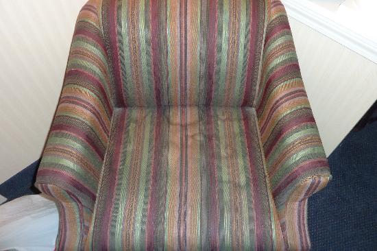 Comfort Inn & Suites North Conway: Burn this chair!