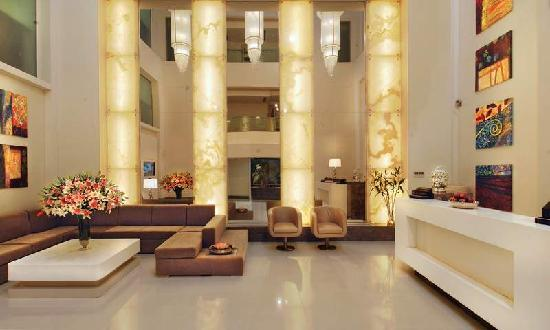 The Ashtan Sarovar Portico: Lobby