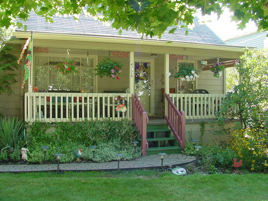 Wildflower Village | Reno's only Bed and Breakfast and only Hostel