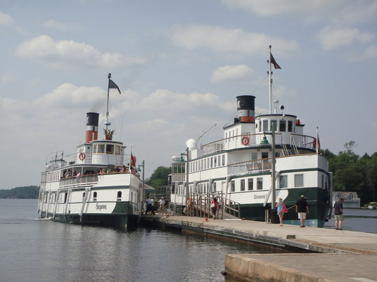 Gravenhurst, Канада: The Steamships