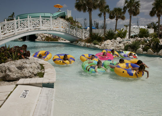 Taino Beach Resort & Clubs: Lazy river pool