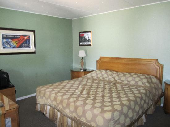 Beatty, NV: room