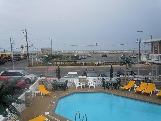 Starfire Motel: view from top floor