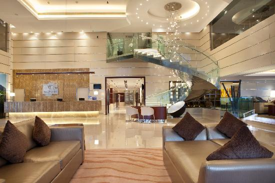 Holiday Inn Cochin: Lobby