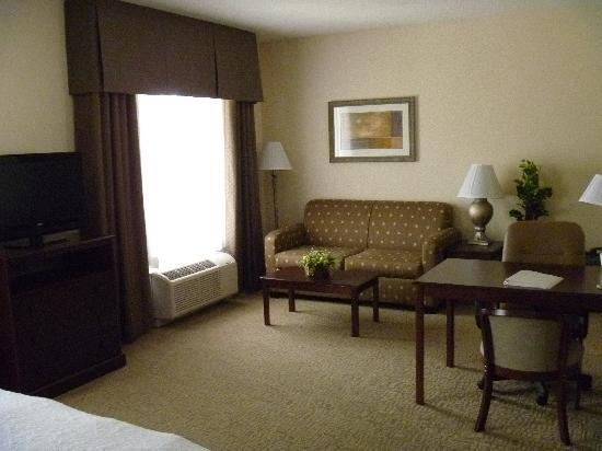 Hampton Inn &amp; Suites Prescott Valley: Sitting/Working Area