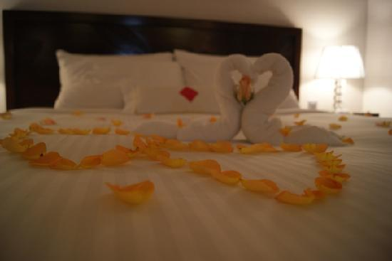 Genting Grand: Honeymooners&#39; Bed