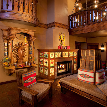 Hotel Chimayo de Santa Fe: Lobby of the New Hotel Chimayo
