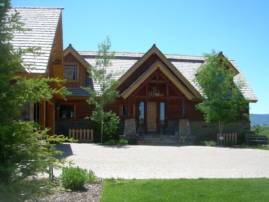 Lone Elk Lodge Bed &amp; Breakfast: Lone Elk Lodge