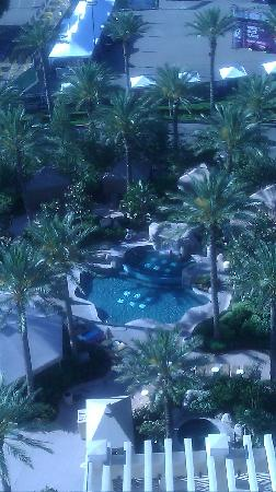 Harrah's Rincon Casino & Resort: coronado suite pool view