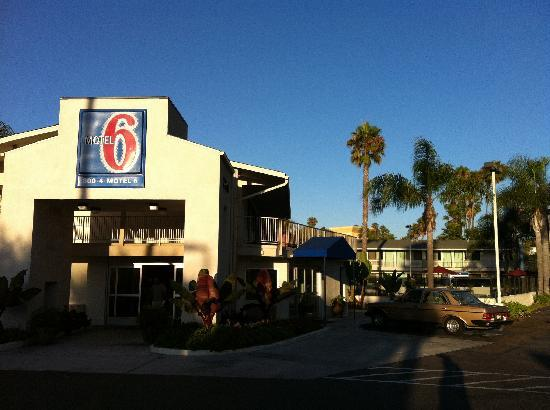 haupteingang des motels   picture of motel 6 san diego