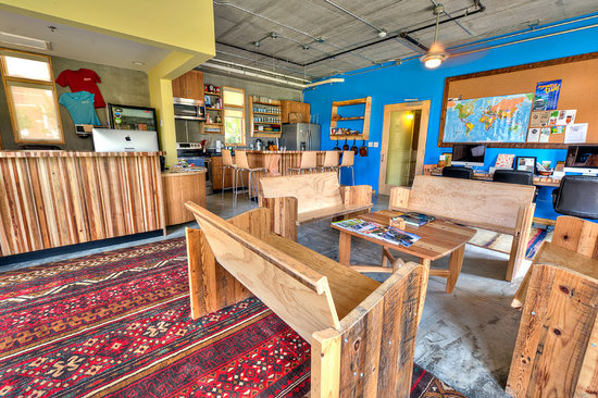 The Crash Pad: An Uncommon Hostel: Reception, kitchen and living room