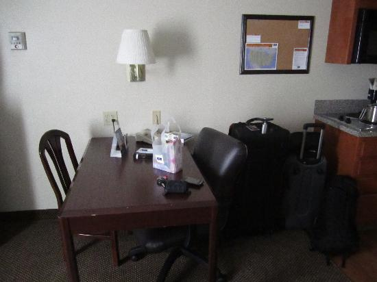 Candlewood Suites - Austin South: Work station