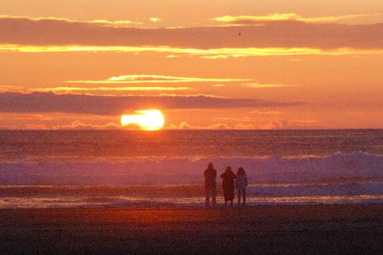 ‪‪Quality Inn - Ocean Shores‬: Sunset @ Ocean Shores 8/15/11‬