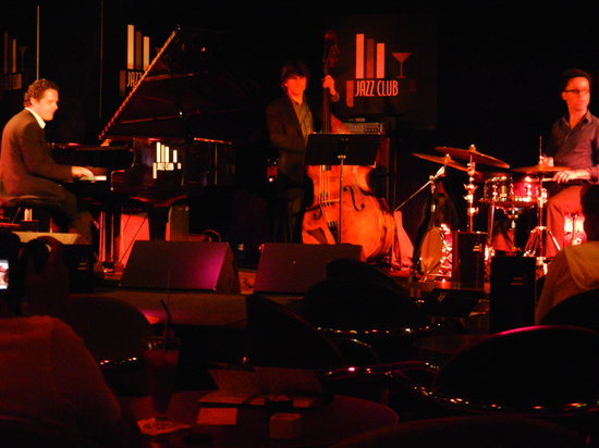 Top 30 things to do near porte maillot station neuilly - Jazz meridien porte maillot programme ...