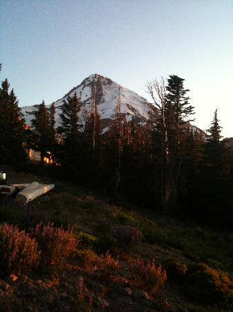 Cooper Spur Mountain Resort: Mt Hood from Cloud Cap at sunset