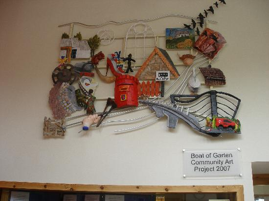 Moorfield House: Artwork at Boat of Garten Community C.