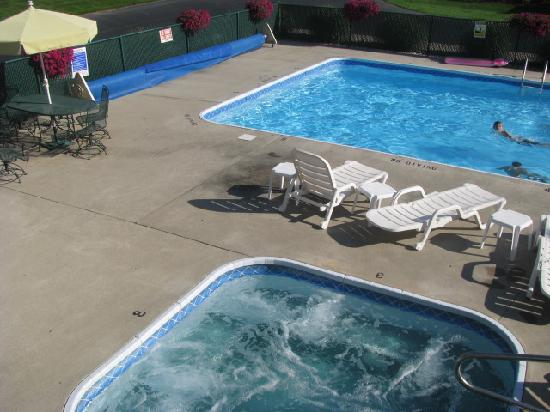 Sierra Sands Family Lodge: pool and whirlpool were very clean