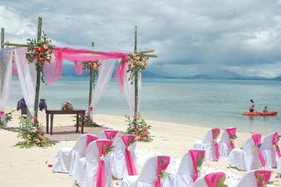 Dos Palmas Island Resort & Spa: Wedding Ceremony Setup by Kin Hupanda