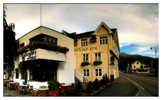 Photo of Best Western Raftevolds Hotel Hornindal