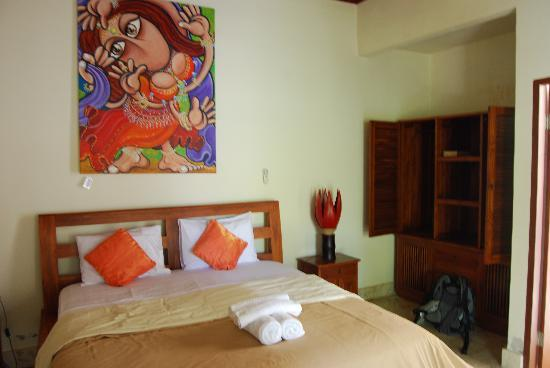 Aaliku Bungalows: Room