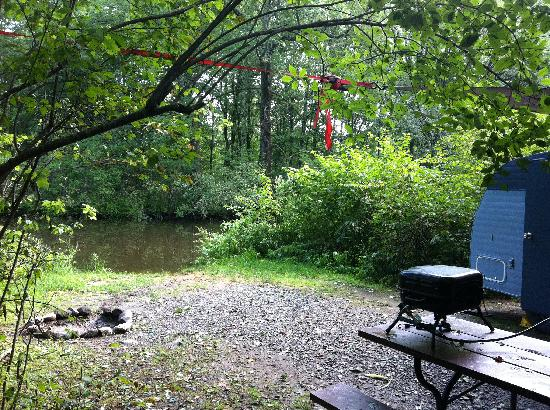 Exeter Elms Family Campground: the view we got for an extra 5 bucks per night!