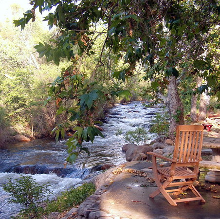 Sequoia River Dance B&B: South Fork of the Kaweah River in our backyard