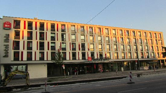 ibis hotel m nchen city west picture of ibis muenchen. Black Bedroom Furniture Sets. Home Design Ideas