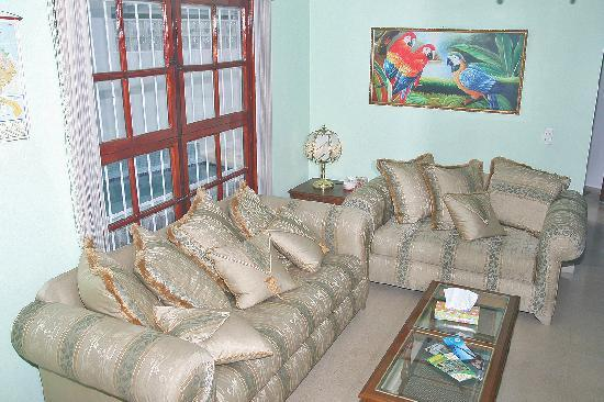 Casa Cuba Hostal S.A.: Fancy living room