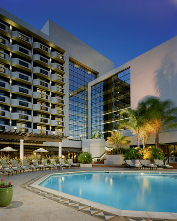 DoubleTree by Hilton San Jose: Pool View