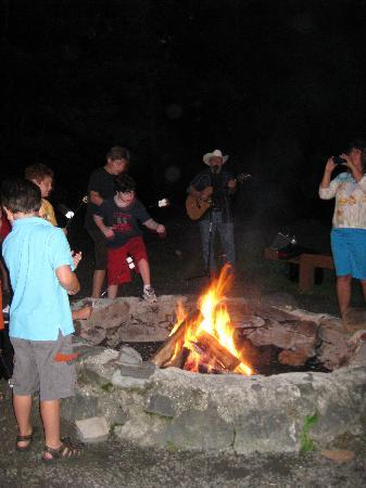 Rocking Horse Ranch Resort: bonfire & marshmallow roast