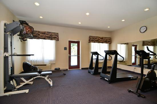 Comfort Suites - Oakley: Fitness Room