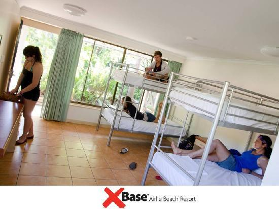 Base Airlie Beach Resort: 4/5 Bed Dorm