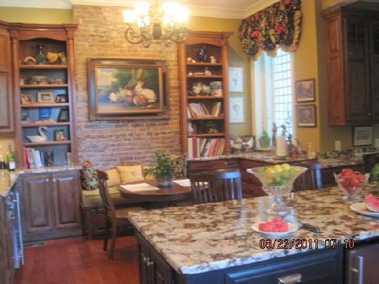 ‪‪A Storybook Inn‬: Can you believe this kitchen?‬