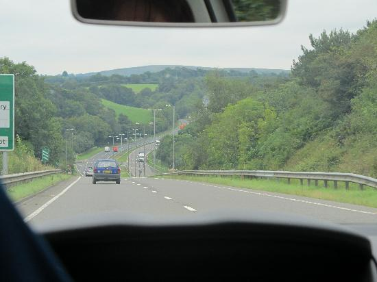 Bamham Farm Cottages: Great roads...easy to get around.