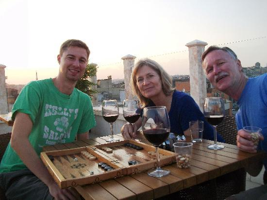 Neorion Hotel: Playing backgammon, enjoying complimentary wine on the roof of the hotel