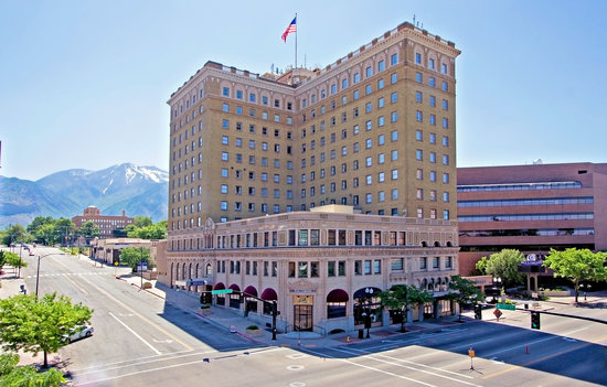 Ben Lomond Suites Historic Hotel,  an Ascend Collection Hotel: Exterior, Corner of Washington and 25th