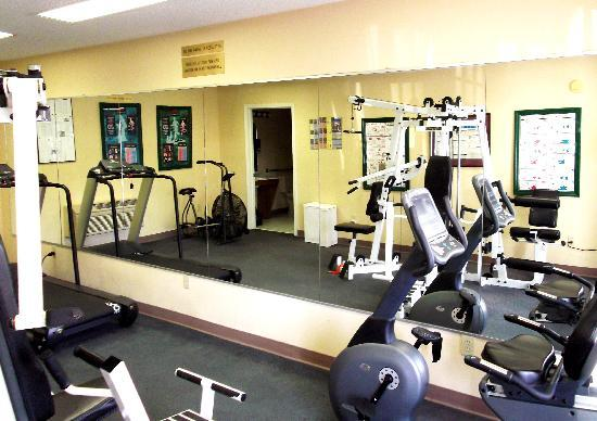 Baymont Inn & Suites Valdosta/At Valdosta Mall: On-site fitness center