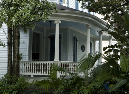 Sully Mansion Bed and Breakfast: Come be our guest in the heart of the Garden District