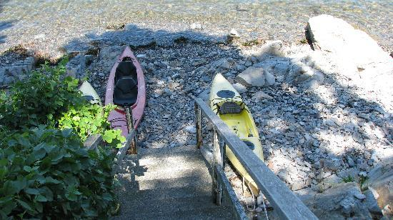 Seagull Inn: The kayaks available to use at the inn.